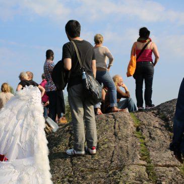 Walkapolis-kävelykierroksilla keskitytään kaupungin kuunteluun ja geologiaan